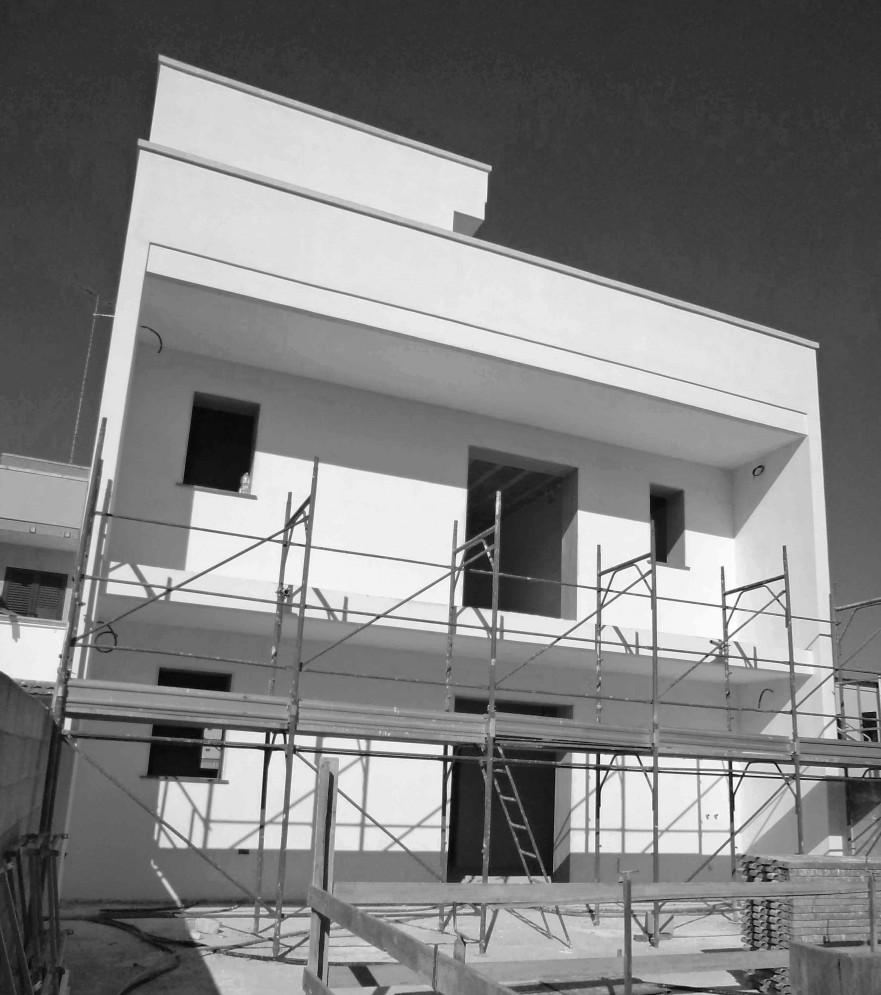 Edificio in classe a in costruzione a lecce 2010 www for Piano piano lotto stretto